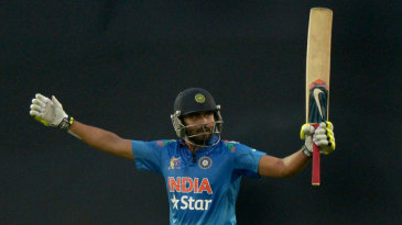 Ravindra Jadeja signals his half-century