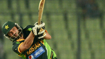Shahid Afridi goes over the top