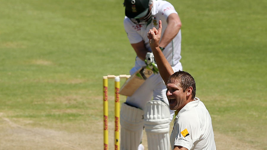 Ryan Harris celebrates dismissing AB de Villiers