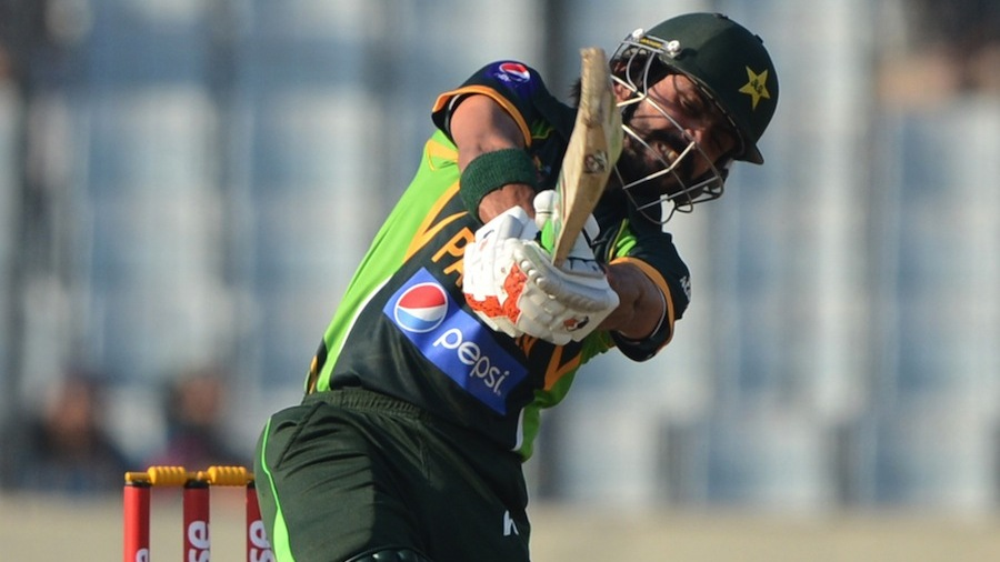 Fawad Alam takes the aerial route