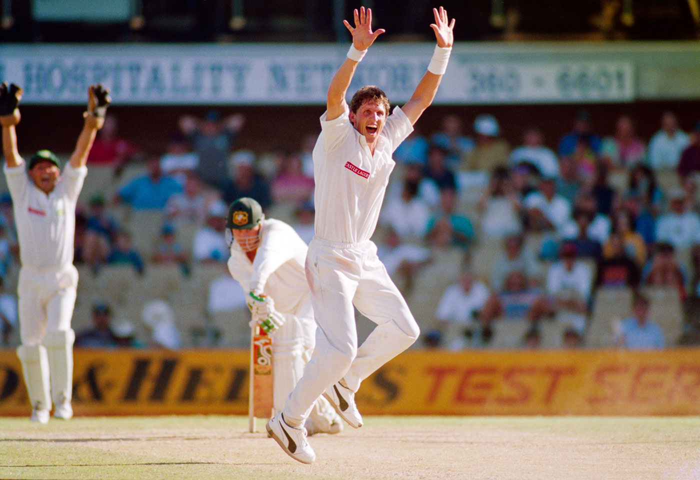 We'll give you plebs: Fanie de Villiers gets Tim May on day four