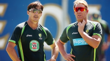 Brad Hogg and Shane Warne in the nets