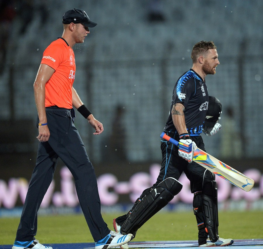 Brendon McCullum and Stuart Broad trudge off at the rain break, with New Zealand firmly in front
