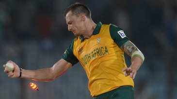 Dale Steyn effects the winning run-out