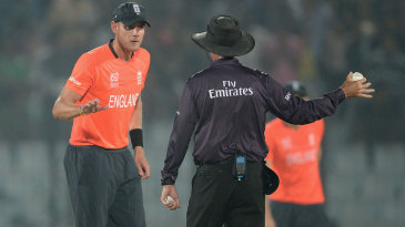 Bob Woolmer takes the rule book to the match referee's office