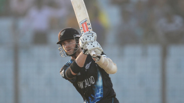 Kane Williamson powers one over the top