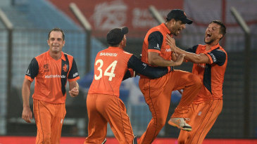 Netherlands are elated with the run-out of Tim Bresnan
