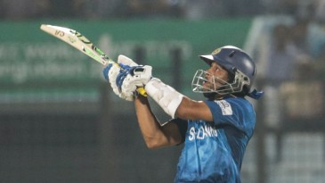 Tillakaratne Dilshan attempts a reverse scoop