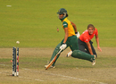 Natalie Sciver finds Moseline Daniels short of her crease, England v South Africa, Women's World T20, semi-finals, Mirpur, April 4, 2014