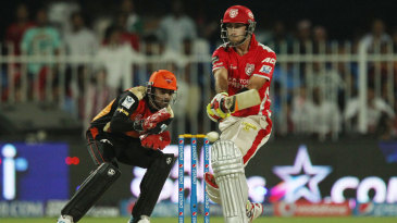 Glenn Maxwell clubbed five fours and nine sixes during his 43-ball 95