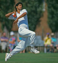 Atul Wassan bowls, Minor Counties v Indians, 1st day, Towbridge, July 11, 1990