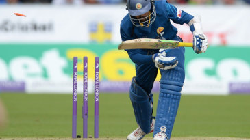 Tillakaratne Dilshan was bowled through the gate for 88