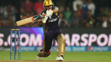 Manish Pandey pulls on his way to 94