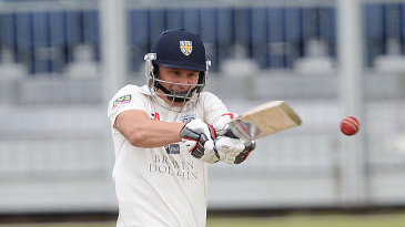 Scott Borthwick pulls during his almost seven hours at the crease