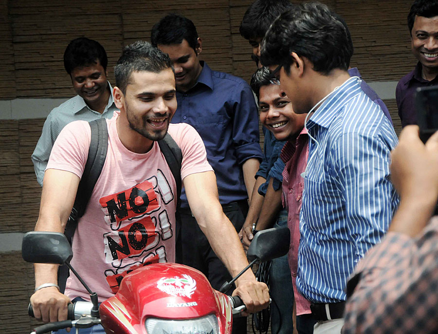 Bowls fast, rides faster: Mashrafe loves biking (sometimes with his arms outstretched)