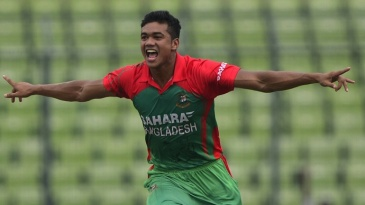Taskin Ahmed took three wickets in his first spell