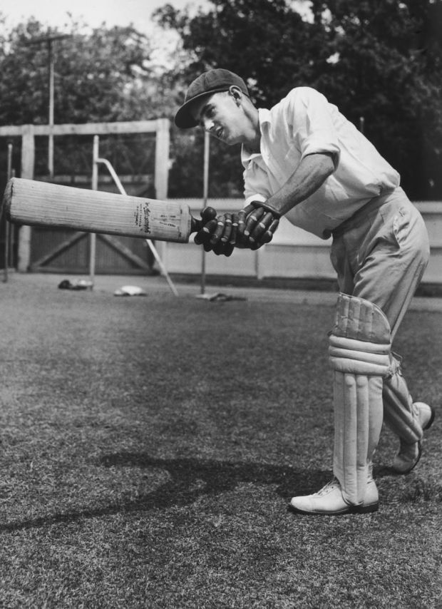 Ian Craig bats, 1953. (Photo by Central Press/Hulton Archive/Getty Images)