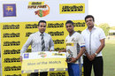 Asela Gunaratne receives the Man-of-the-Match award, Udarata Rulers v Southern Express, Super 4s Twenty20 Tournament, Colombo, June 27, 2014