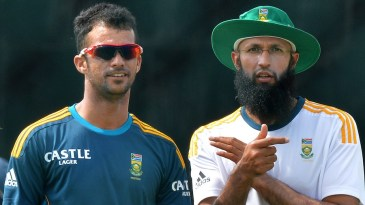 Guessing the swing: Hashim Amla and JP Duminy chat during a practice session