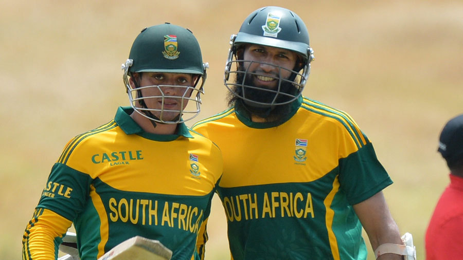Quinton de Kock and Hashim Amla added 118 for the first wicket