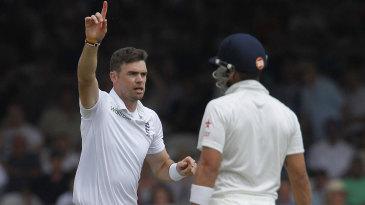 James Anderson exults after dismissing Virat Kohli