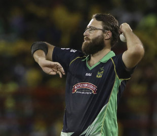 Tallawahs prevail in last-over thriller