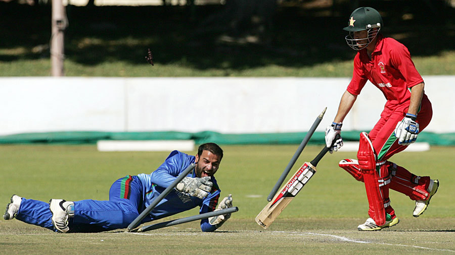 Sean Williams was run out by Shafiqullah for 1