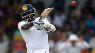 Angelo Mathews plays a pull