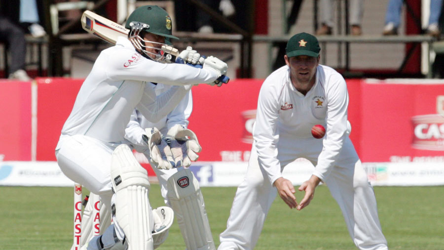 Quinton de Kock hit five fours and a six during his 81