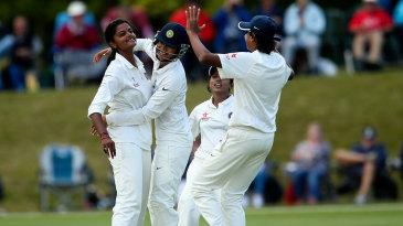 Nagarajan Niranjana ran through England's top order