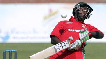 Elton Chigumbura avoids a short ball
