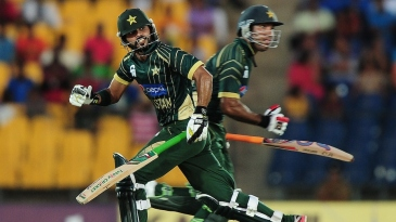 Fawad Alam and Sohaib Maqsood put on 147 for the sixth wicket