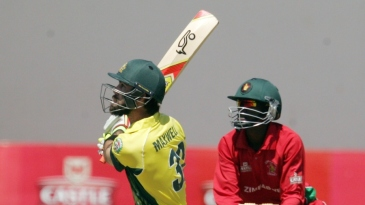 Glenn Maxwell goes for a switch hit