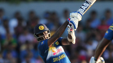 Angelo Mathews goes on the attack