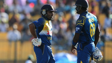 Angelo Mathews and Mahela Jayawardene added 122 for the fourth wicket