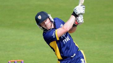 Paul Collingwood hit six boundaries in his 38