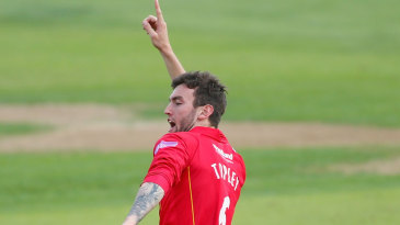 Reece Topley chipped out the middle order