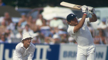 Martin Crowe bats against Somerset
