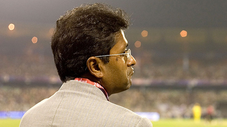 Lalit Modi catches the action at Eden Gardens
