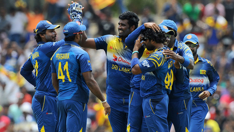 Thisara Perera ran through Pakistan's lower middle order