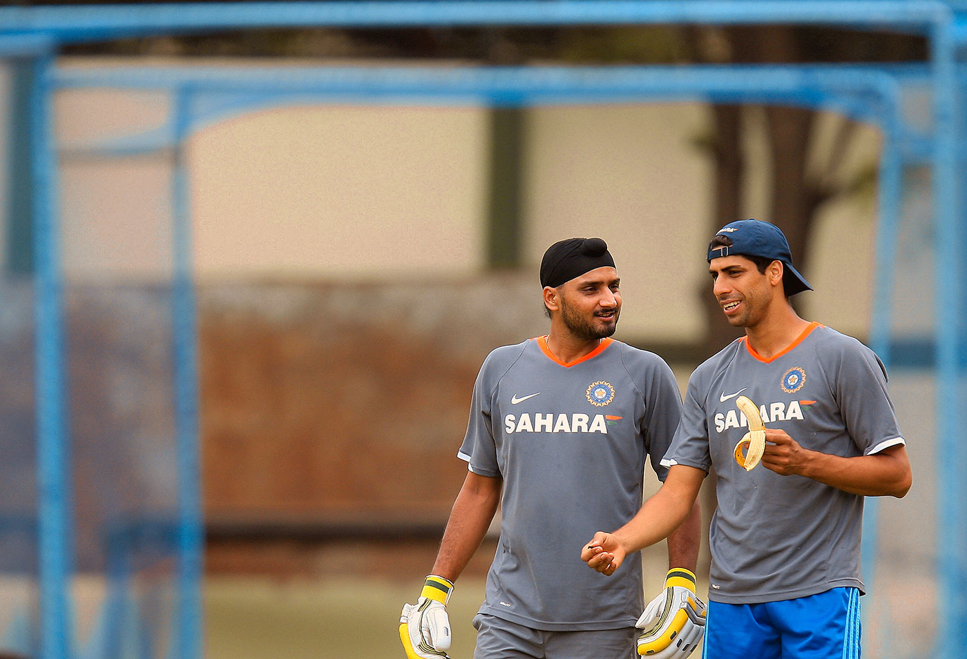 Just my cup of tea: Ashish Nehra hung around for 39 minutes for his 9 in Bulawayo