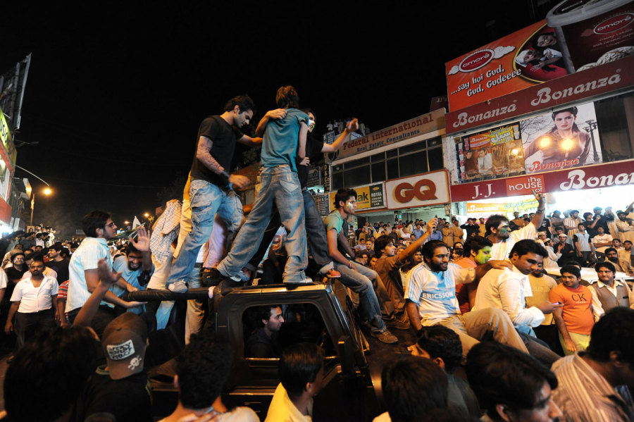 Fans pour into the streets of Islamabad to celebrate Pakistan's World T20 win in 2009