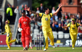 Jonathan Trott was dismissed for a duck by Mitchell Johnson, England v Australia, 2nd NatWest ODI, Old Trafford, September 8, 2013