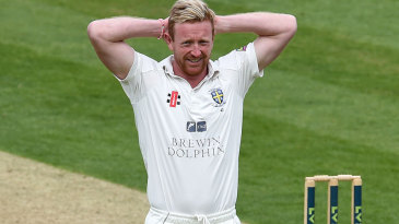 Paul Collingwood picked up three wickets to help finish Notts off
