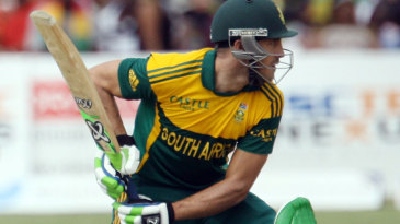 Faf du Plessis extended his magnificent form