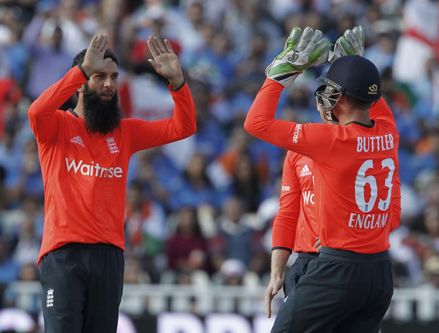 Moeen Ali picked up a wicket in his opening over, England v India, only T20, Edgbaston, September 7, 2014