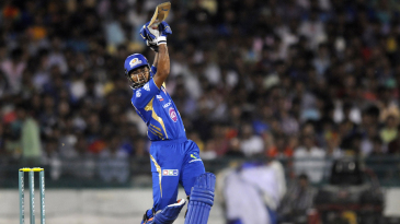 Aditya Tare struck two fours and two sixes