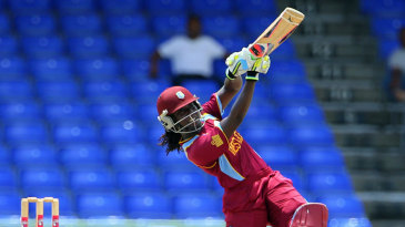Stafanie Taylor smacked three fours and two sixes in her innings of 50