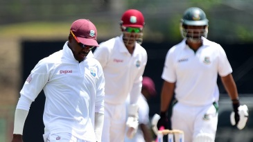 Darren Bravo dropped Mominul Haque at first slip