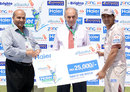 Shoaib Laghari poses with his Man of the Match cheque, Hyderabad Hawks v Quetta Bears, Haier Cup National T20, Karachi, September 17, 2014